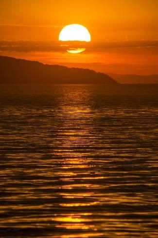 Sunset In Warm Heart  of Africa #Mindset #Nature #Art #Expression #Sleek #LifeLessons #photography #Music #naturaleza #Artistic #Life  #Lake #Beautiful #Pristine #Love #Serene #Tranquil #GOODVIBESONLY  Sunset at Cape Maclear Lake #Malawi #Africa  By Micheal Runkel (artdotcom)pic.twitter.com/KdO10nEG1G