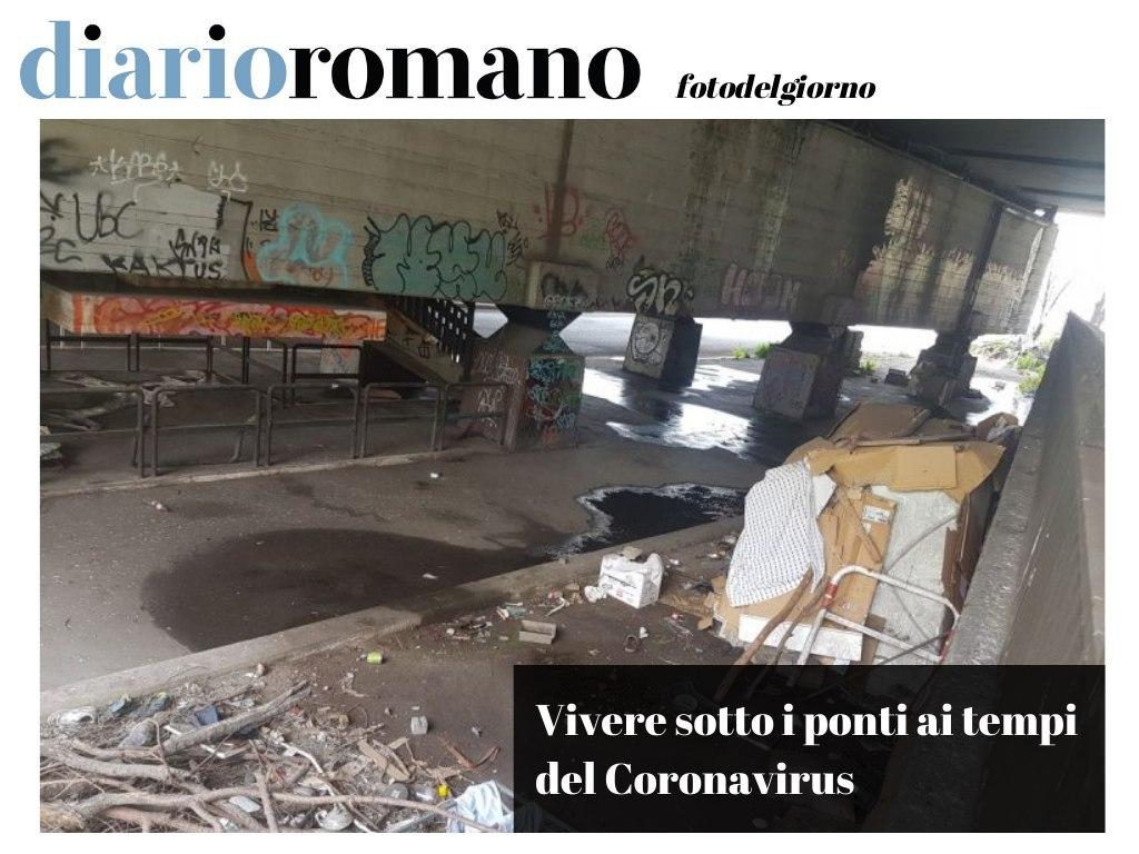 test Twitter Media - In questa baracca sotto Ponte Nomentano, in mezzo ai rifiuti e all'acqua, vivono 3 persone che non possono stare a casa nel rispetto delle norme attuali. Occorre pensare anche a loro. . #Roma #photo #lettori #COVID19 #28Marzo #quarantena https://t.co/NaHWnsk5LE