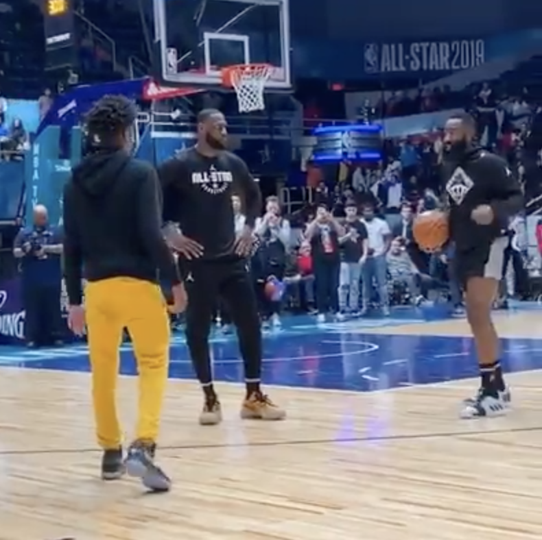 That time Harden gave Zaire some lefty lessons at 2019 All-Star Weekend 📝 (via @JHarden13)