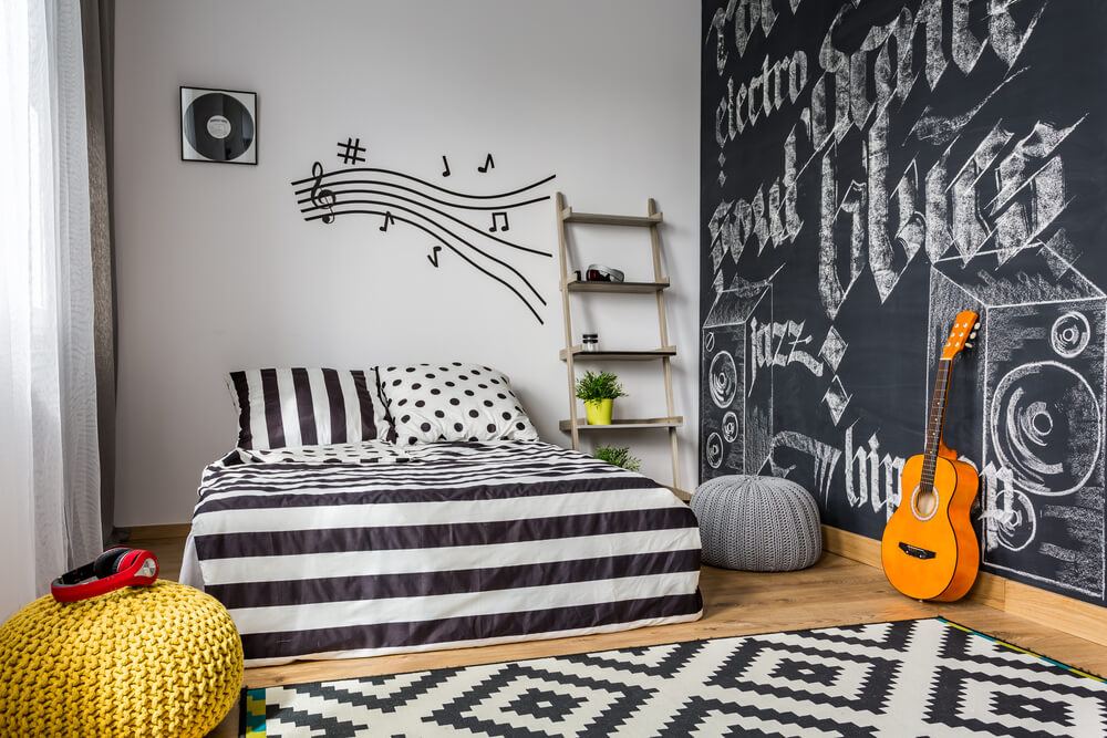 Your teen is sure to like at least one of these #bedroom design ideas. #interiordesign  http://cpix.me/a/94863820pic.twitter.com/G9ohnNzRv3