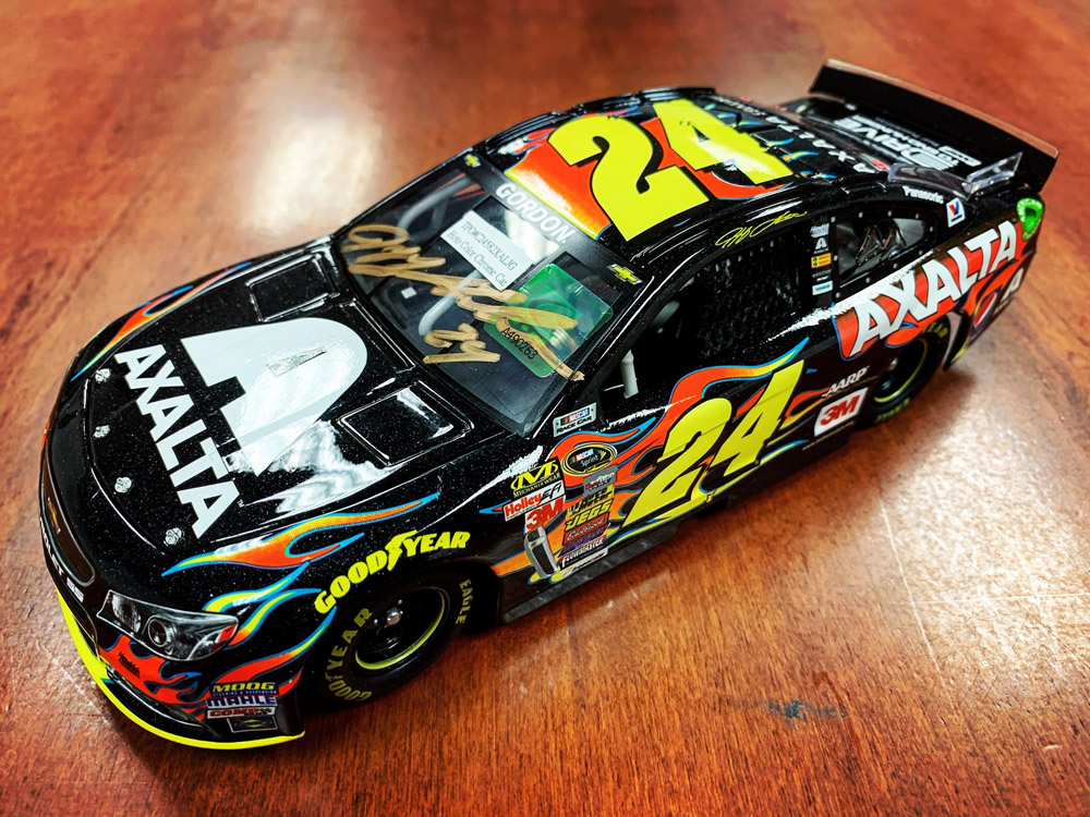 Giving away an Autographed 2015 @AxaltaRacing Pre-Production 1:24 Scale Die Cast.  Retweet & enter here⬇️.  https://t.co/zXa2LF2JcO  #TeamJG https://t.co/5mQxAmftmR