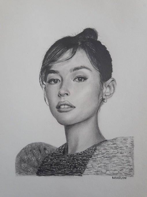 's Media: dm me your pic and i'll draw it. go! minimalistic portrait of @lizasoberano using graphite pencil o