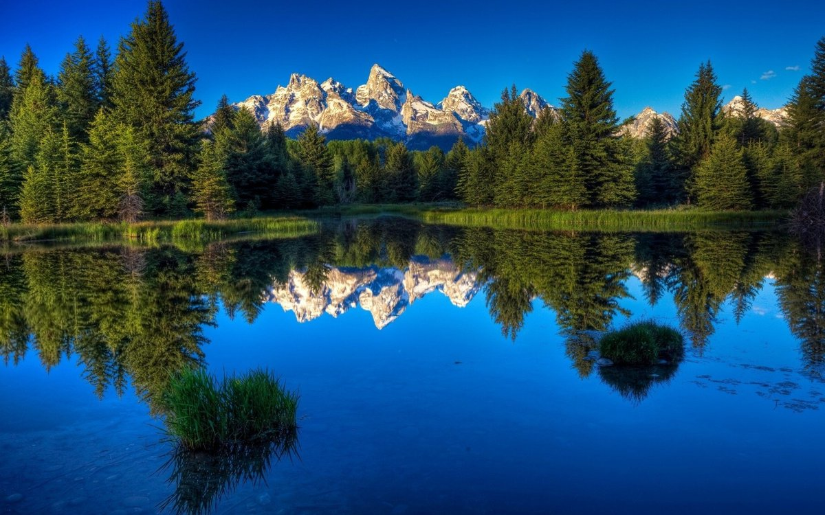 Blessed Sunday― MOUNTAINS REFLECTIONS  #HappySunday #FelizDomingo  #Reflections #nature #Landscapes  #OurWorld #naturelover #mountains pic.twitter.com/MxVdkfBbHB