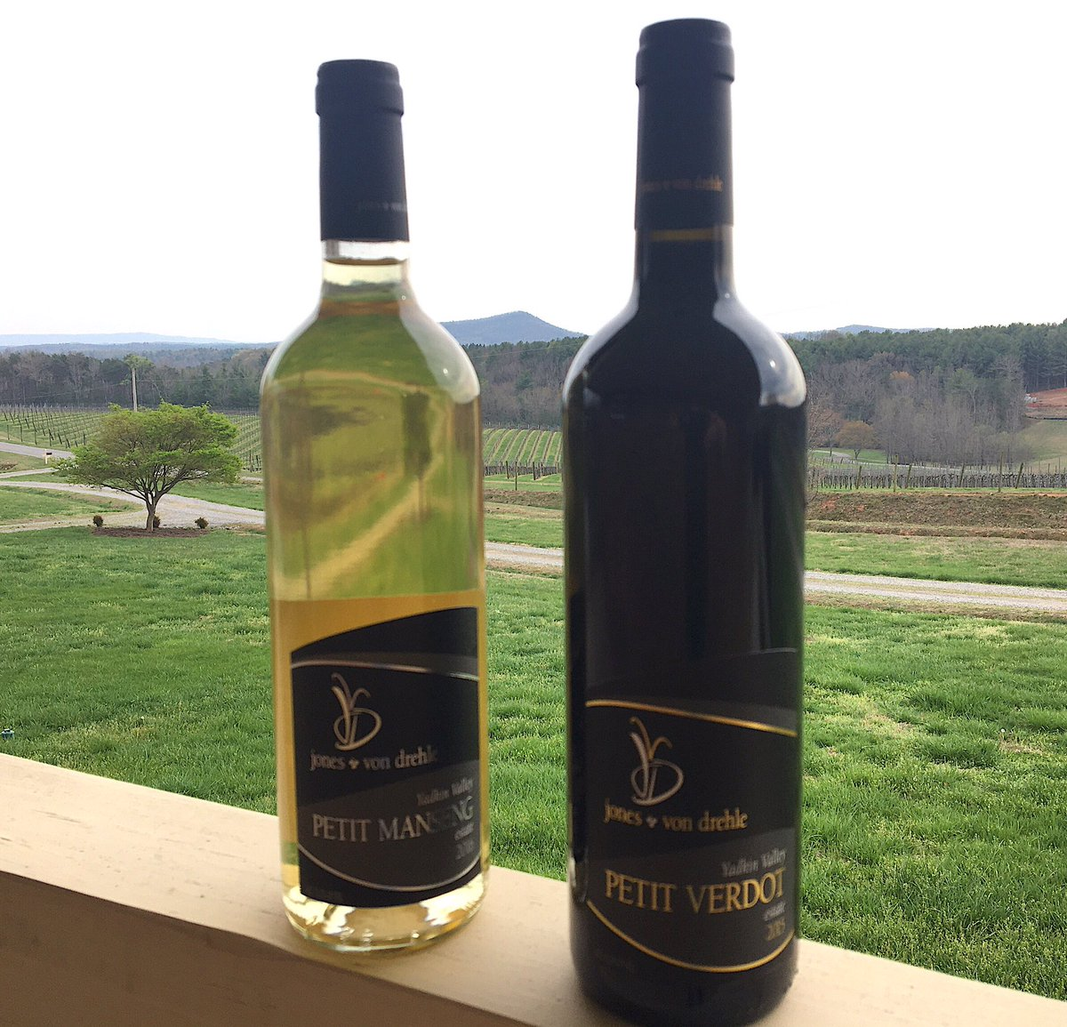 #petit Manseng & #petitverdot for #openlocalwine night. Shout out to our wine maker Dan Tallman & to @TheCorkReport, @DrinkWhatULike, @Ncwineguys & everyone else promoting local wineries. #ncwine #supportlocal #supportsmallbusiness #yadkinvalley