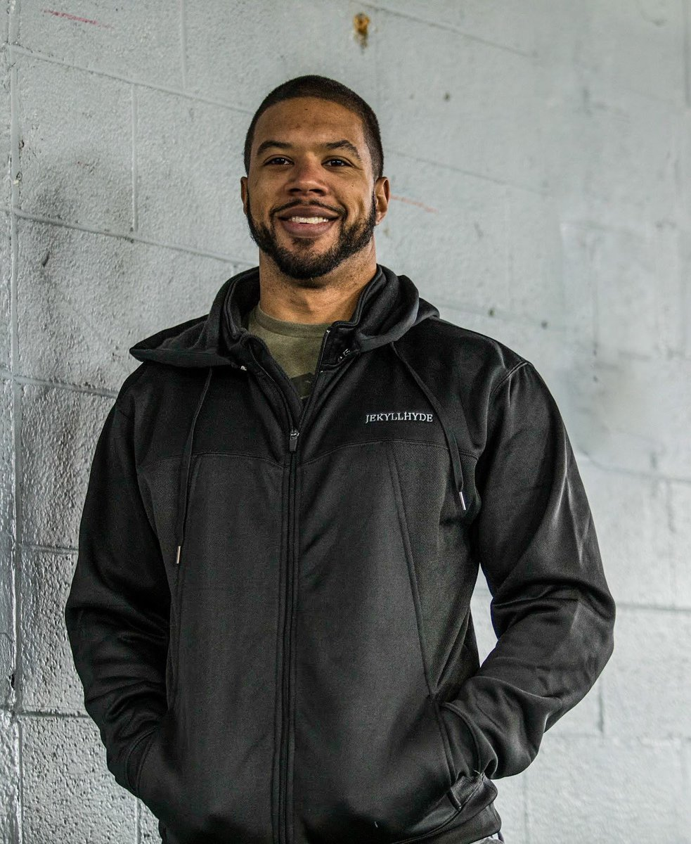 Clean, simple, functional and on sale!  . . #jacket #techjacket #tech #simple #clean #functional #fitness #smile #holdingupabrickwall #onsale #gym #gymdog #liftheavy #olympicweightlifting #barbell #squat #motivation #dedication #inspiration #hwpo