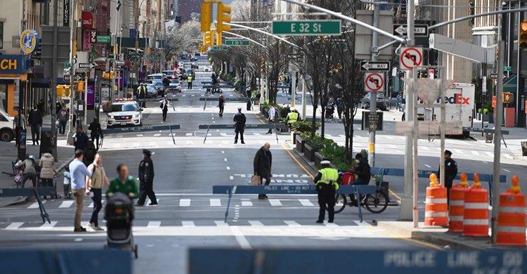#Coronavirus killing people in #New_York_City at rate of one every 17 minutes  https://www.facebook.com/groups/688430344583422/permalink/2915620865197681…pic.twitter.com/uMEFYfdCNo