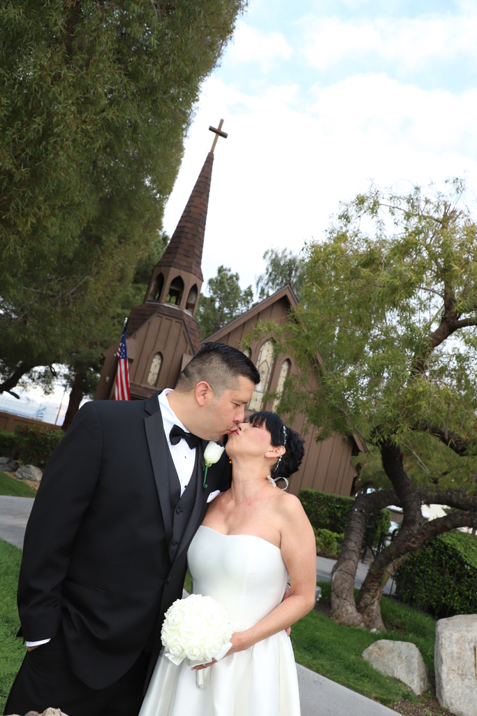 #wedding #bride #weddinginspiration #weddinginspo #weddingplanning #weddings #weddingideas #weddingday #outdoorwedding #love #engaged #brideandgroom #weddingphotography #weddingvenue #weddingdress #weddingflowers #destinationwedding #chapelweddingpic.twitter.com/8c4U9IinFe