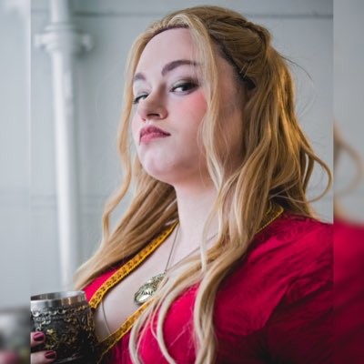 #NewProfilePic by @ninetythirdst Throwback to cosplaying as Cersei at LFCC. I need to do an out of con shoot as her!  <br>http://pic.twitter.com/1GwozKqeOv