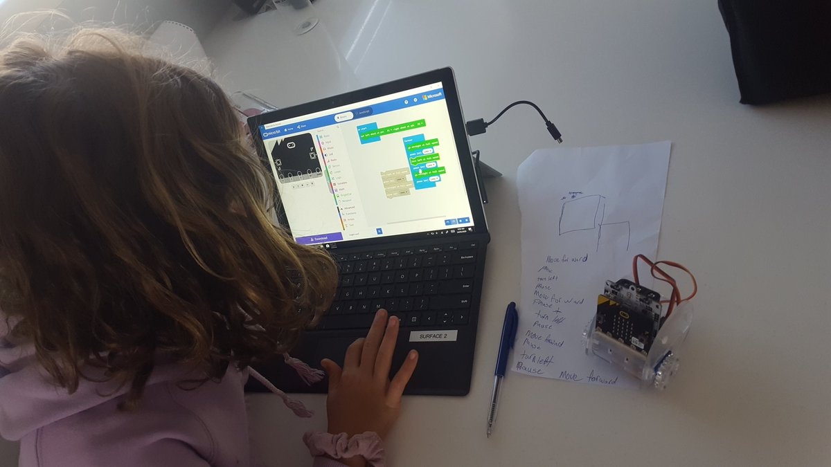 Passing a few hours with Ms 10 @LearningDevNZ @MSMakeCode #MIEexpert #lockdownlearning @DigitalCircusHB