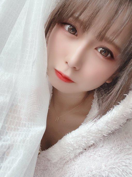 グラビアアイドル桜りんのTwitter自撮りエロ画像25
