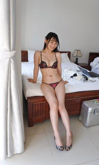 グラビアアイドル星名美津紀のTwitter自撮りエロ画像23