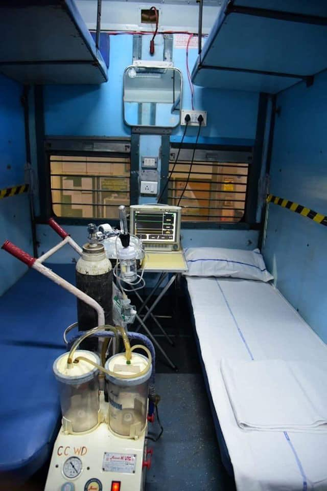 Train coaches that have been turned into isolation wards. A fantastic step to take the necessary healthcare systems to the rural parts of India. Well done @PiyushGoyal @drharshvardhan. #CoronaUpdate #COVIDー19 #India