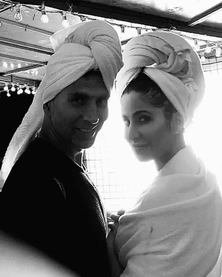 #Throwback ! When @akshaykumar and #KatrinaKaif got us all curious about their towel series.
