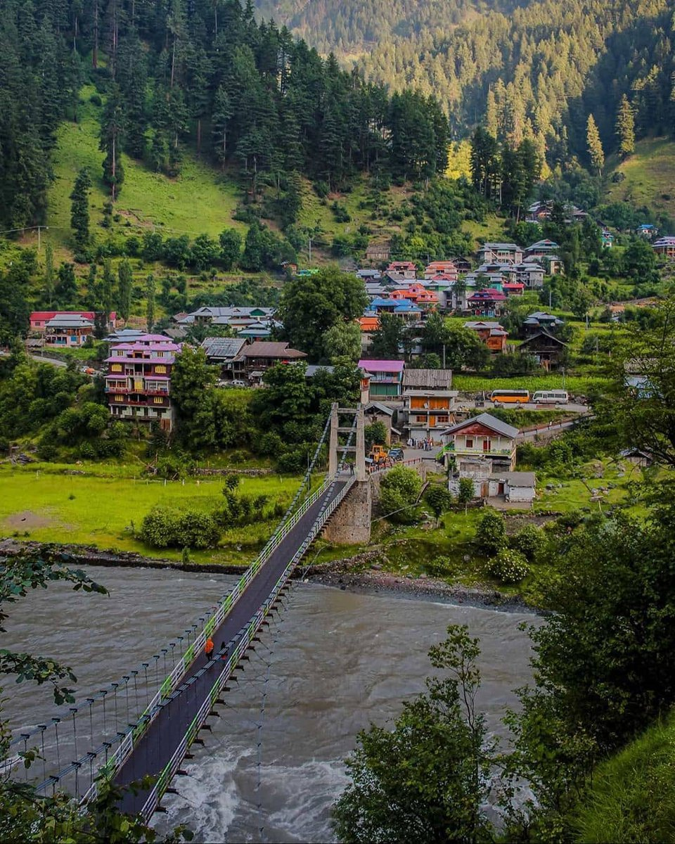 Neelum Valley-Azad Kashmir 🇵🇰  #pakistanparadise #pakistan #kashmir #neelumvalley #travel #bbc #hunza #skardu #Islamabad #karachi #gwadar #lahore #marre #K2
