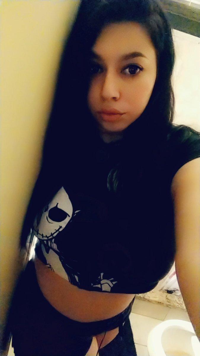 Just a sad soul  #goth pic.twitter.com/bSlDt1ALAC