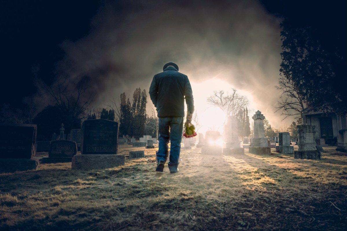 Covid 19 + @creativecloud + @NikonUSA +going stir crazy = strange graveyard photos... #nikon #nikonz #photoshoppic.twitter.com/tRw3Xwi3Zo