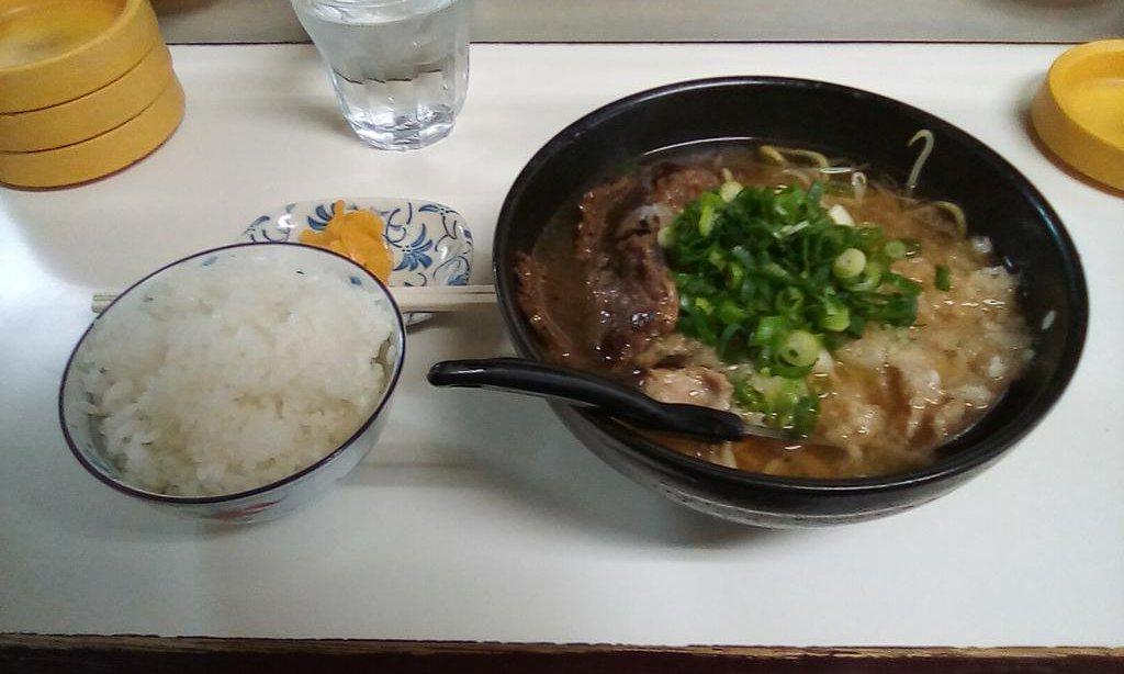 久しぶりに白菜ラーメンを食う~♪  #たこ八 #八尾市 pic.twitter.com/BAm1cNU89O
