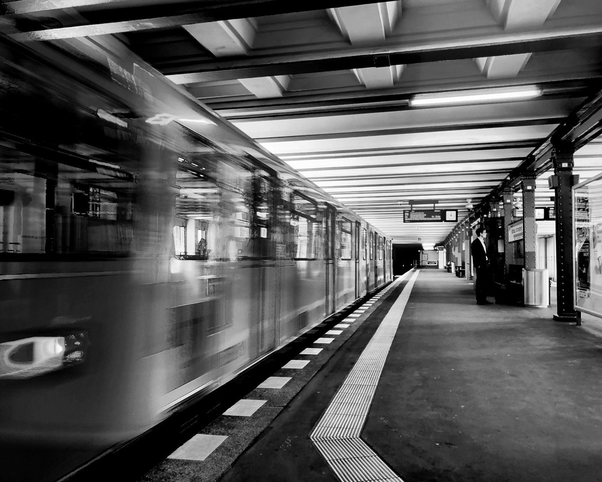 When this crisis will be over, go on and fulfill your dearest dreams. Life is not waiting for us  #berlin #photography #blackandwhite #monochromepic.twitter.com/P9j91vcV28