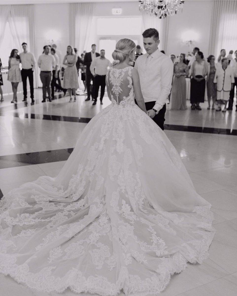 #realbride by @CecileWedding   it will always be you. ••• #demetrios #demetriosbride #cecile #kerpen #dreamdress #couplegoals #weddingmood #weddinginspo pic.twitter.com/mox6F10JxC
