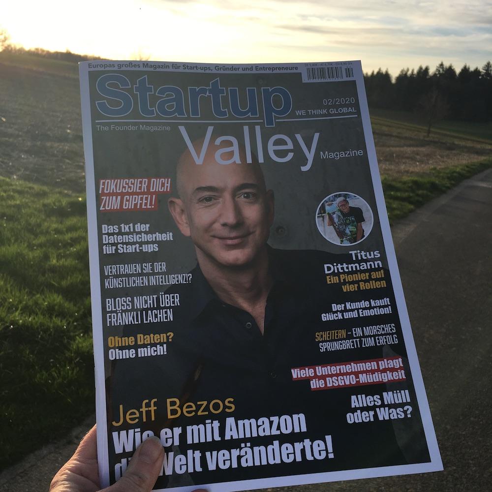 StartupValley Magazin on tour ⠀ Jeff Bezos:Wie er mit Amazon die Welt veränderte ⠀ https://startupvalley.shop/ ⠀ #amazon #jeffbezos #titusdittmann #magazin #magazine #magazinecover #startupvalley #streetphotography #nature #lifestyle #mindset #sun #sundset #wirsinddiestartupszenepic.twitter.com/tbEPxIpcDa