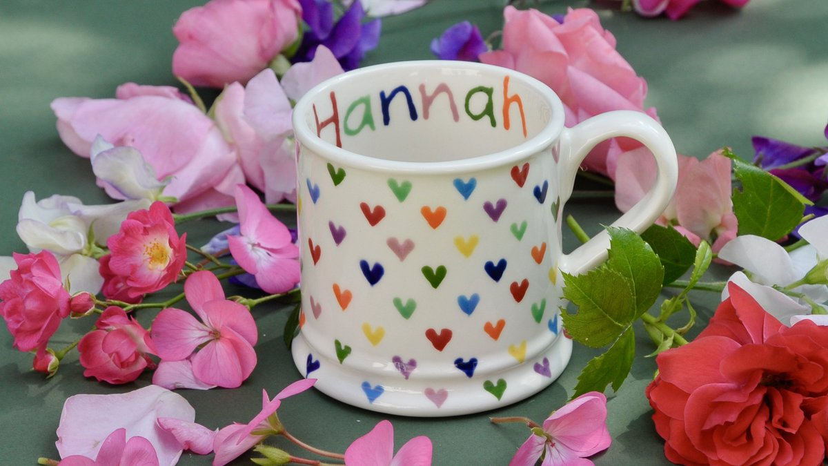 Looking for something to show you love them. My hand painted Love Hearts Country Mug can have any name you like and a message on the base. Posted directly to them. Available from: https://www.hannahberridge.com/products/756  #giftidea #CraftHour #UKGiftHour #HandmadeHour #workingfromhomepic.twitter.com/OkSohtuoYv