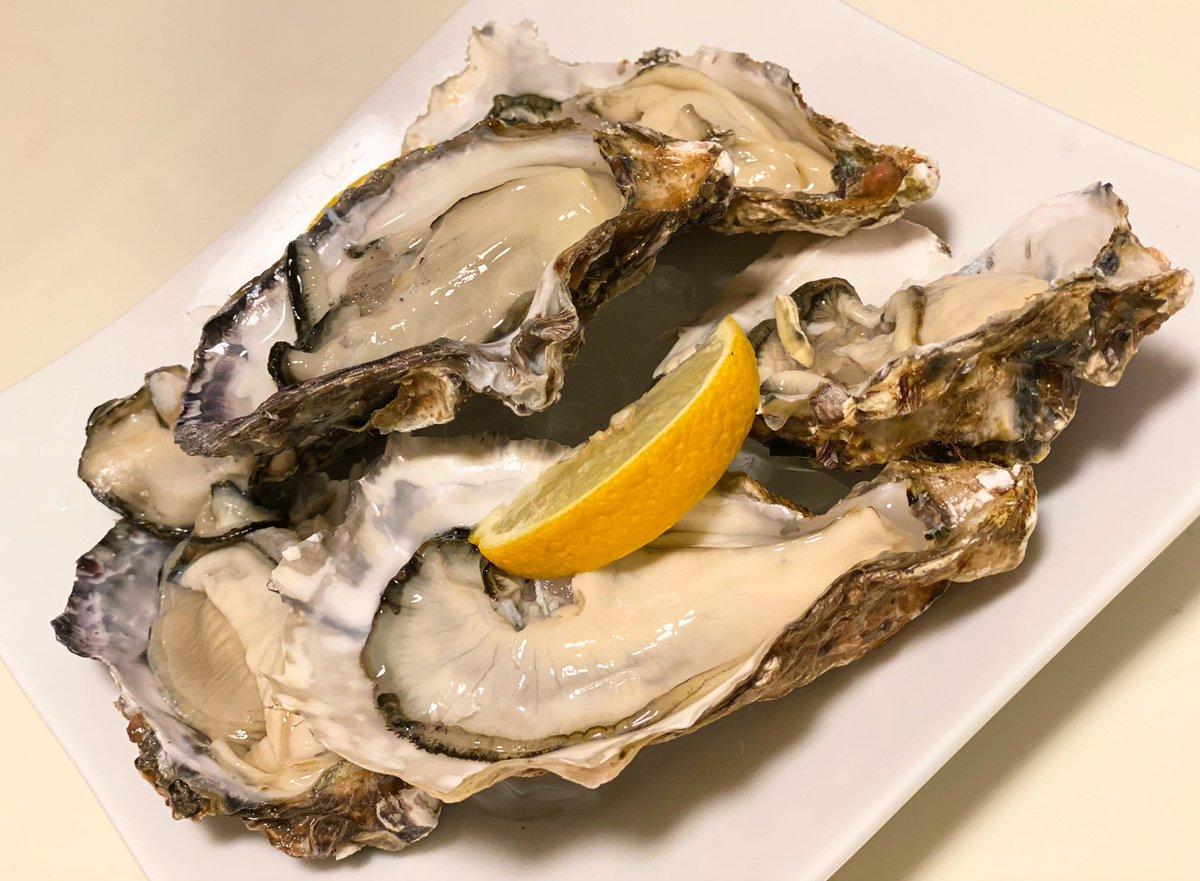 いただきまーーーーす! #生牡蠣 #食べチョクpic.twitter.com/nt3JUK8QI7