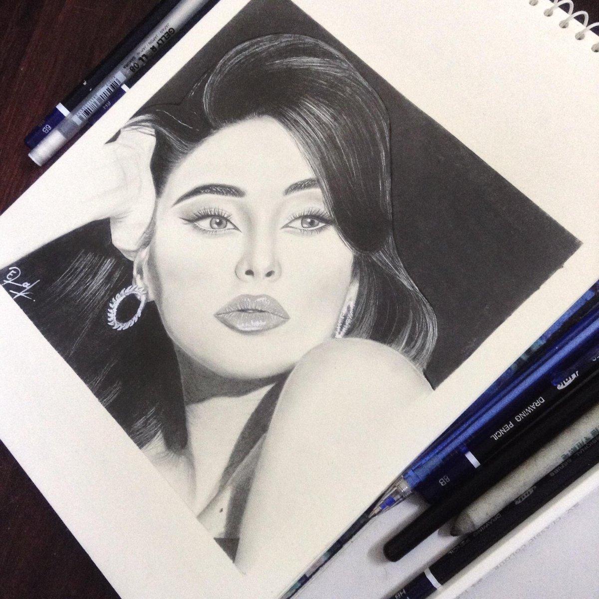 Black and White  #portraits pic.twitter.com/MoVq9eJko7