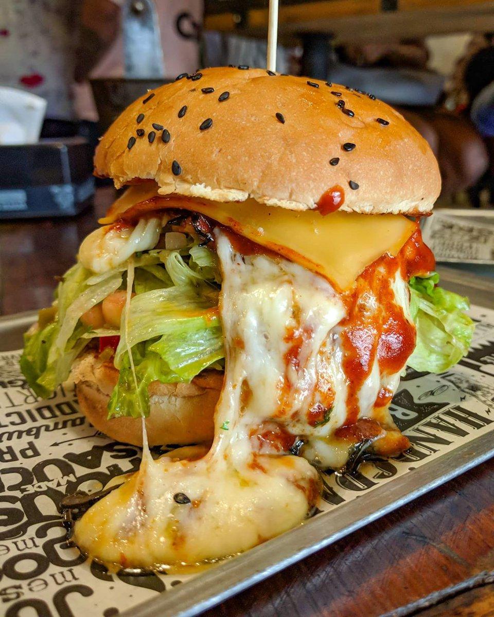 @KhanaPremi  .  #mumbai #mumbaifood #india #cheese #burger #streetfood #indianfood #delhi #jimis #hyderabad #kolkata #bangalore #yelp #taste #pune #kolhapur #surat #burgers #ahmedabad #rajasthan #khanapremipic.twitter.com/jmZNIKvmYc