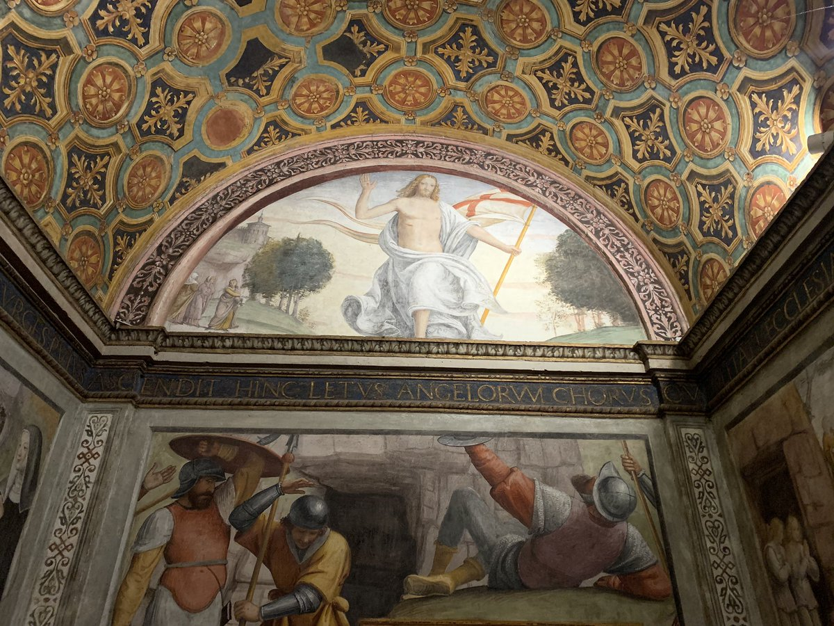My favorite heritage site in #Milano: Chiesa di #SanMaurizio, known as the Sistine Chapel of Milan with stunning art mostly by Bernardino #Luini & his sons. I can't wait to visit it again!   But for now, let's #StayHome  #andratuttobene   #apertipervoi  #artyouready #emptymuseum pic.twitter.com/6qCd455FCE