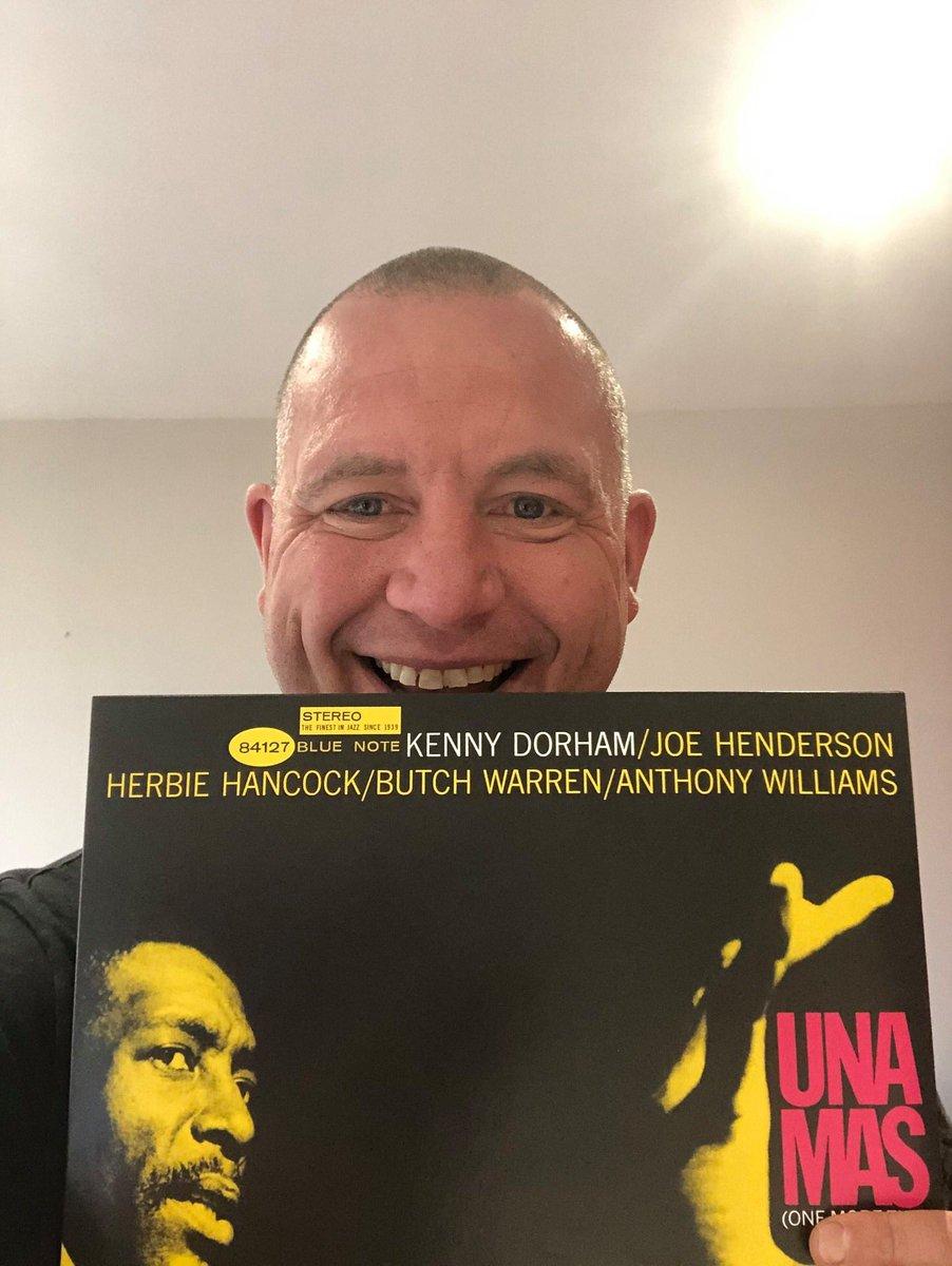 A jazz album of resplendent beauty   #jazz #jazzvinyl pic.twitter.com/P3TTmJLTKx