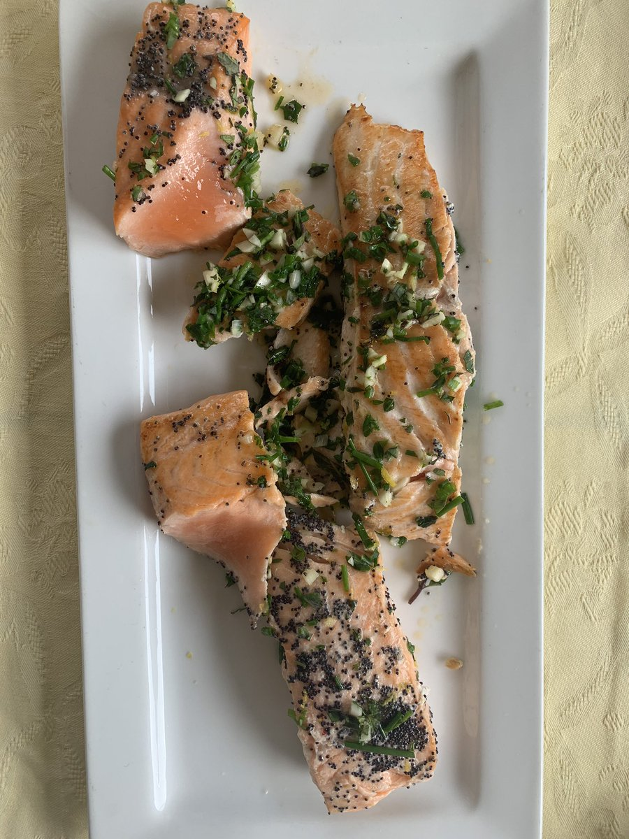 I #love salmon, and you?  #food #foodie #lunch #dinner #italy #italia #29Marzo #foodblog #foodloverpic.twitter.com/wjm1d8wVeQ