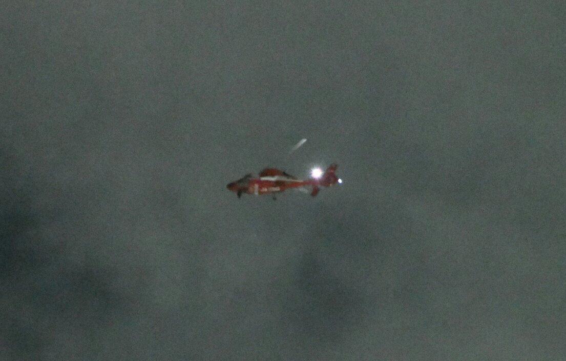 やはり火事のようです。 あんまりずっと飛んでるので、写真撮って見た。 ピント合ってないけど、確か消防のヘリ。 #板橋 #ヘリpic.twitter.com/Z6pUHDufAG