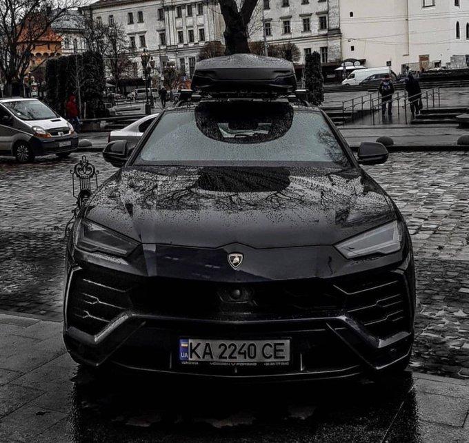 's Media: RT @365_Cars: Blacked out Lamborghini Urus 💀 https://t.co/IY9QRVHulg