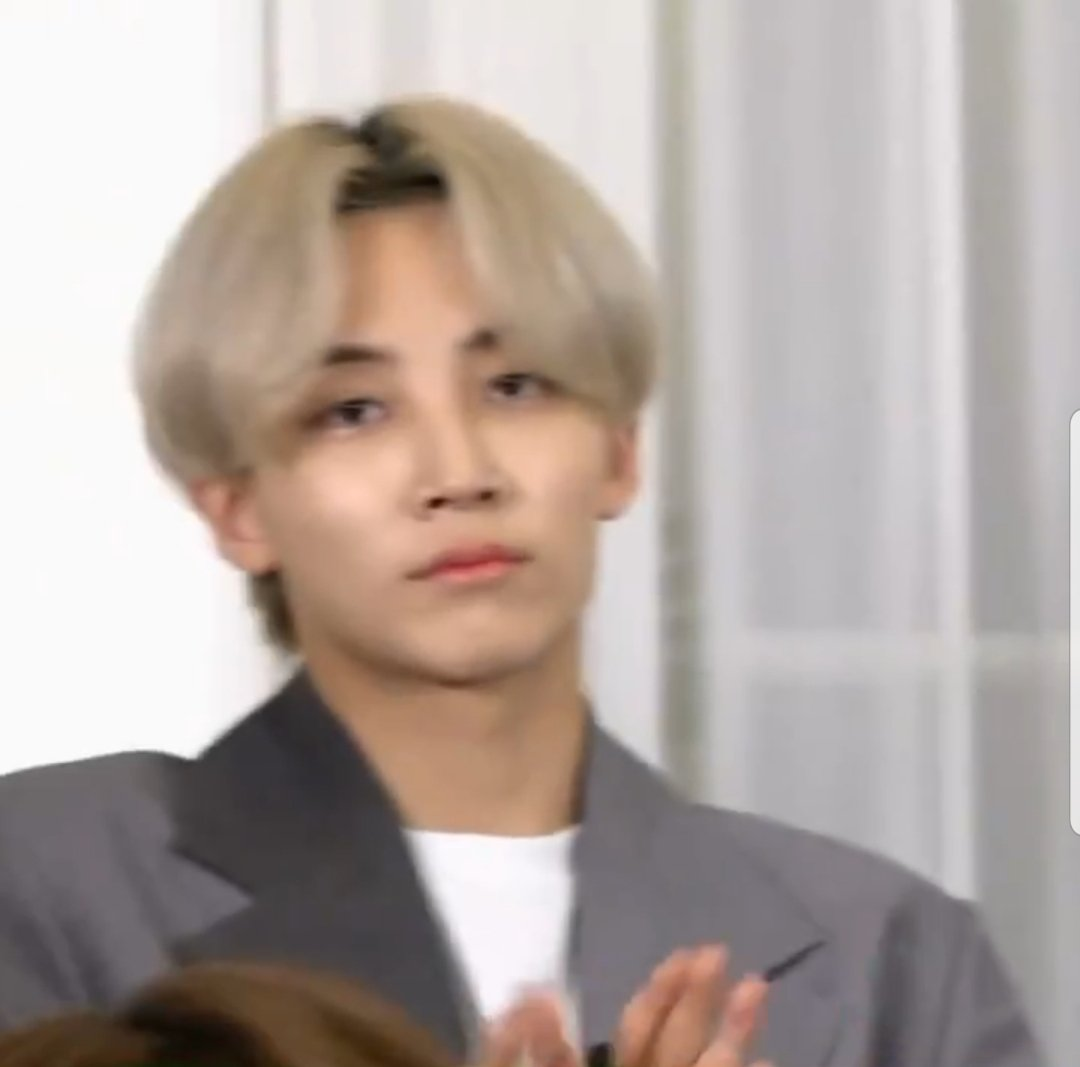 RT @criesforwonhui: svt when they see #caratsgoingtojailparty on twitter https://t.co/Cc8aH0nV3a