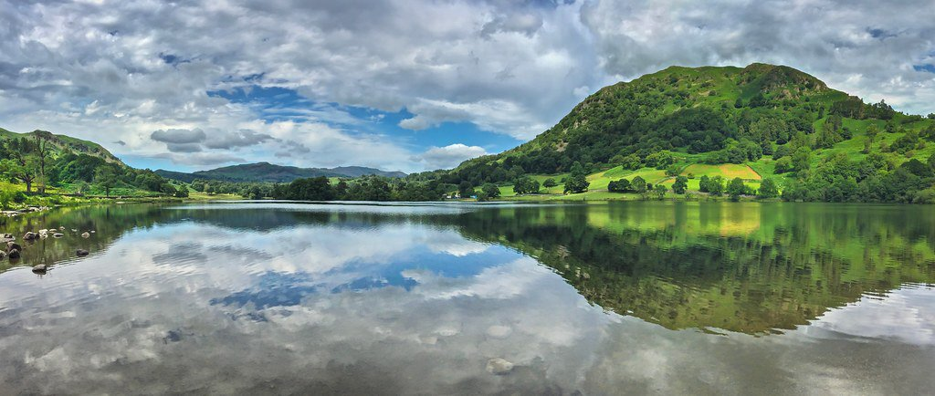 Rydal Water #photography #photo #thelakedistrict #rydalwater #lake #reflections #cumbria https://flic.kr/p/2iJTXvJ