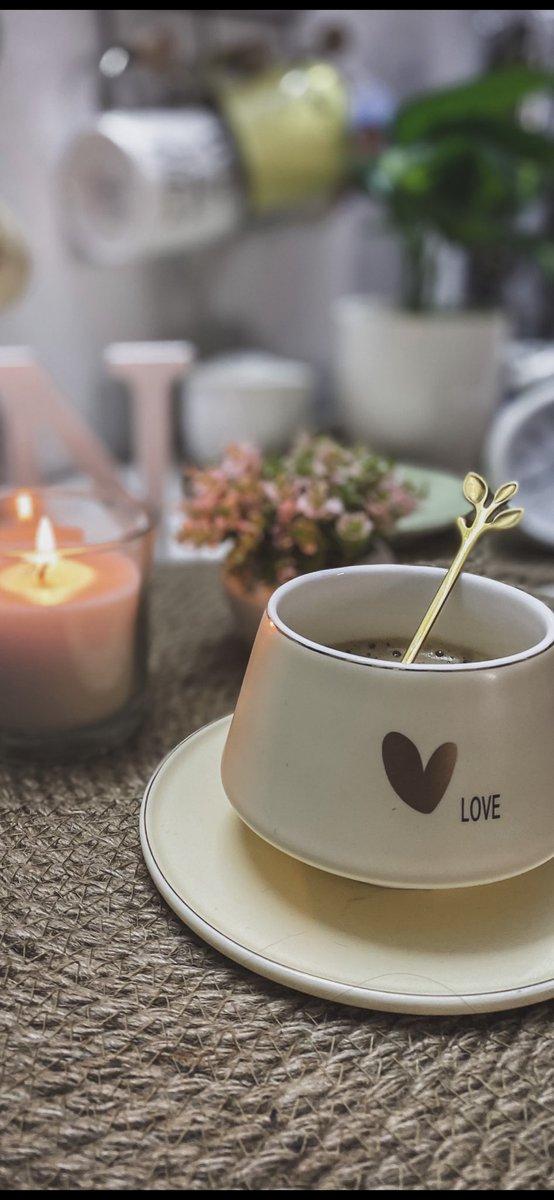 """أنا إمرأة عزلتها أنِيقة وأفضل أصدقائها فنجان قهوة ☕️🤎."""" #قهوة_السابعة #قهوة #قهوتي #آعٌزٍلَ_نِفُسِکْ #الحجر_المنزلي #روقان #مساء_الخير"""