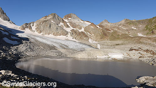 What is a proglacial lake?  Here you will find the answer: http://www.gletschervergleiche.ch/Pages/TermDetail.aspx?Id=5044…  #proglacial #lake #glaciers