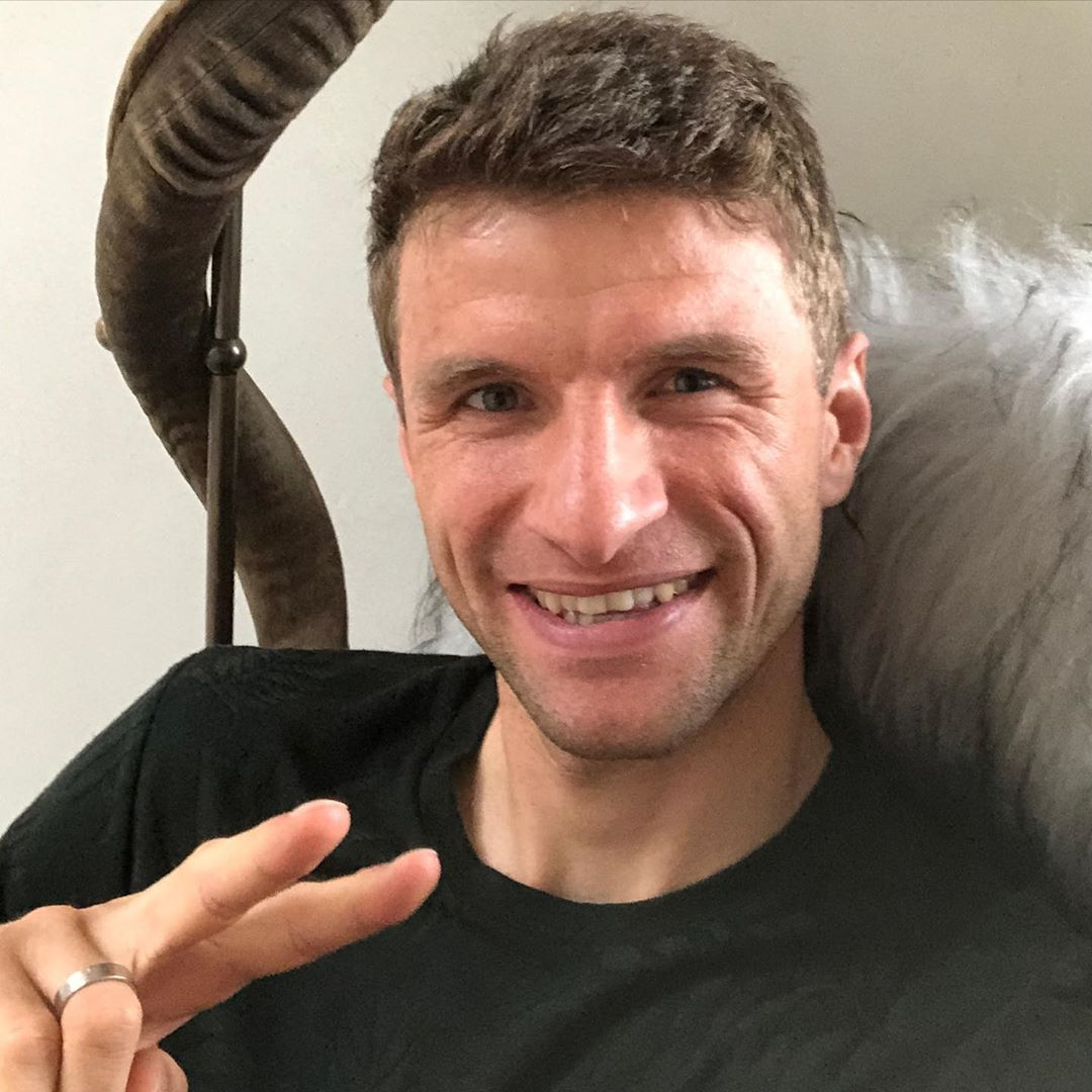 Greetings from @esmuellert_ ✌️ #MiaSanMia