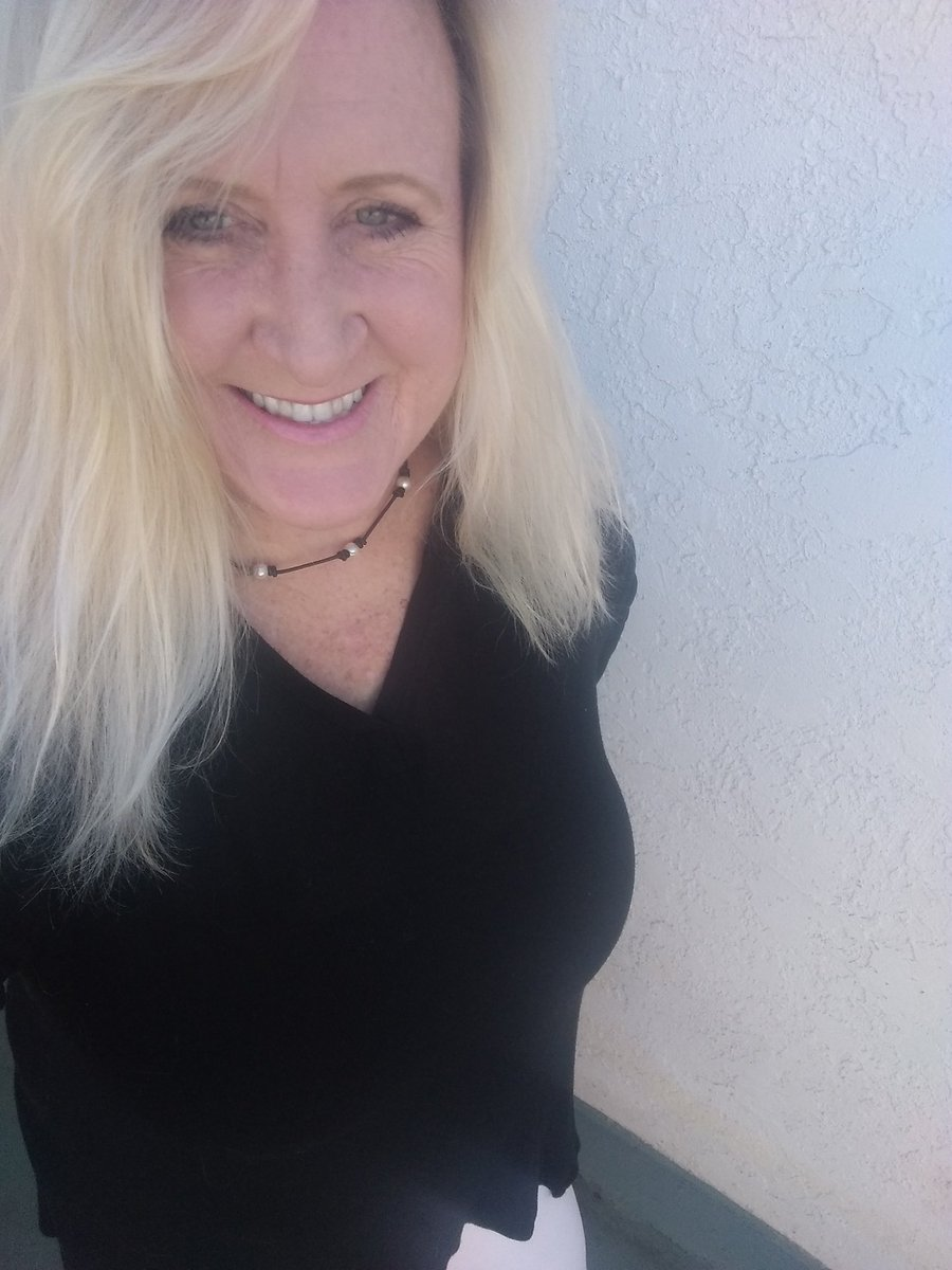Operation feel normal again. Take shower. Get dressed in street clothes. Put makeup on. Wear your favorite necklace. Put sandals on. And smile. #CoronaLockdown #makeup #outfit #Smile #blondehair #DONTtouchYOURface #dontgetbored #DontBeASpreader