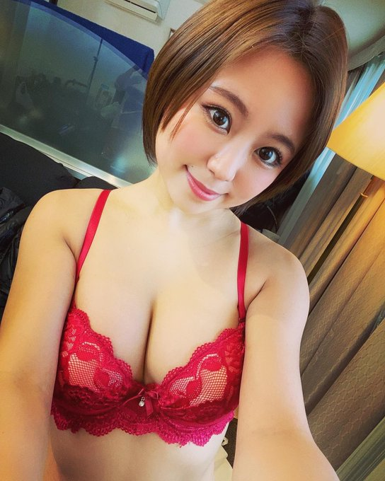 AV女優神谷充希のTwitter自撮りエロ画像35