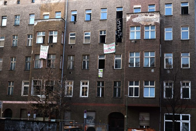 #StayAtHome is not possible for everyone in times of Covid19. Especially if you are homeless. Thats why we squatted one Airbnb, 9 empty apartments and 2 houses in Berlin and gave them for those who need a safe place. Solidarity will win! #besetzen