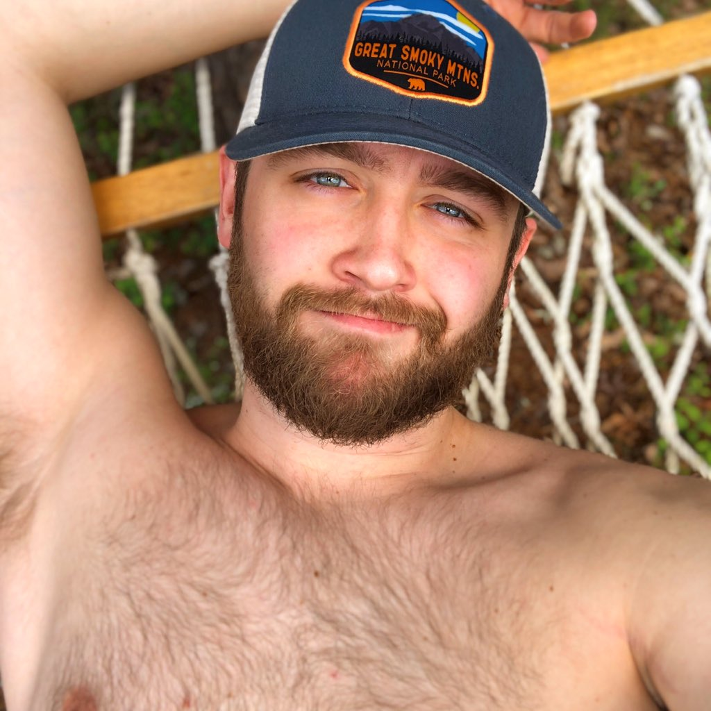 Perfect day to be lazy in a hammock!☀️😉😍💪🏻 #gay #outdoors #shirtless #beard #hiking #scruffygays