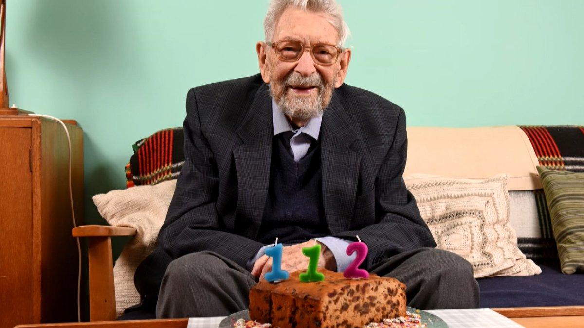Happy 112th Birthday to the worlds oldest man, Bob Weighton. 💜