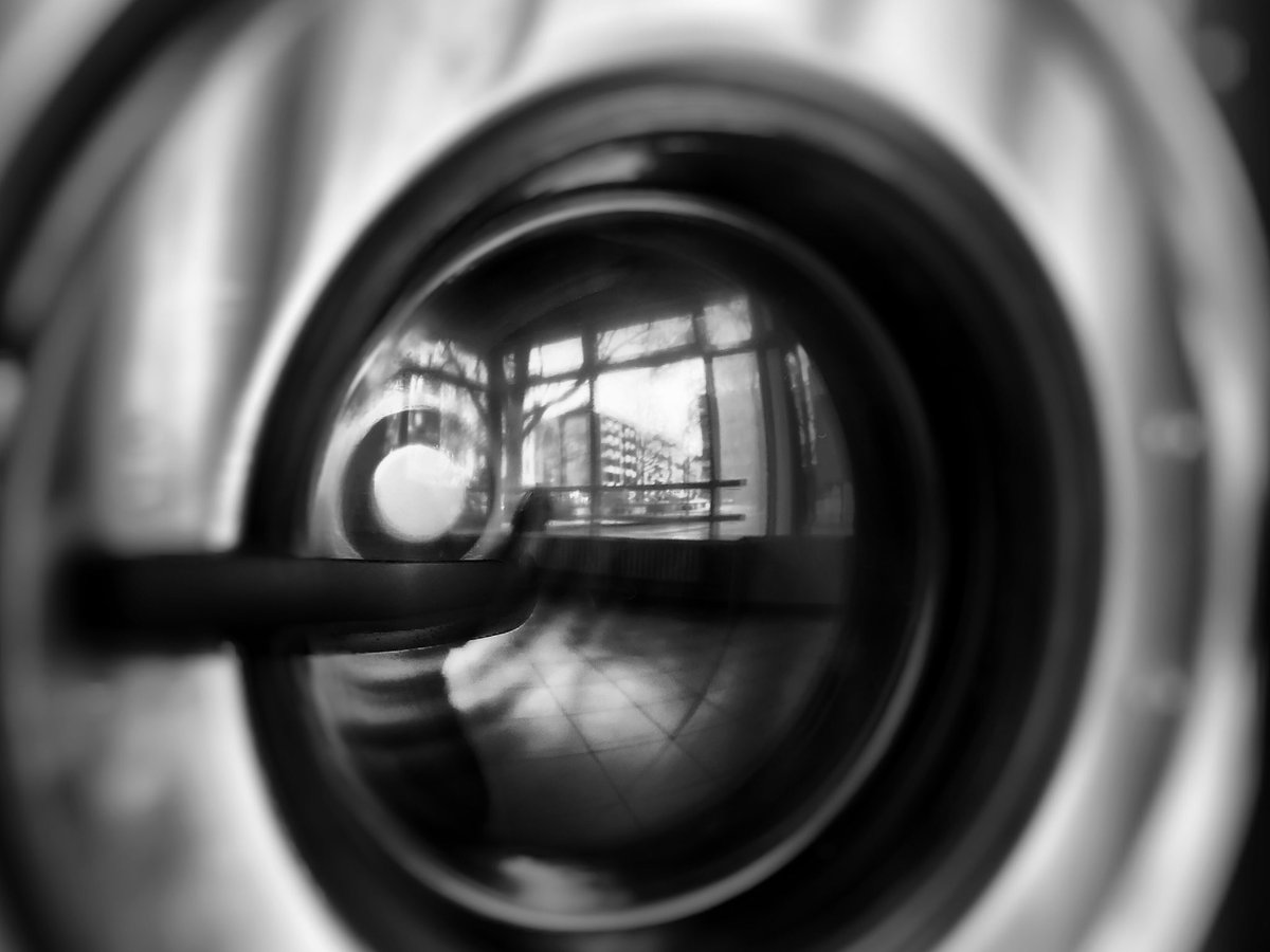 Even through the turbulence of the current time you can see something clear in a focused way  #berlin #photography #blackandwhite #monochromepic.twitter.com/WsXp4MoEef