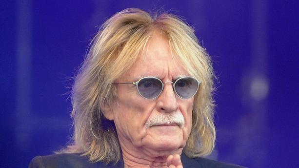 J'espère qu'il va s'en sortir 😔🙏🏾 Il ressemble tellement à mon grand-père ! Il fait partis de ma famille.  #Cousin #Christophe 🙏🏾