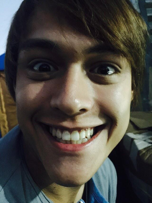 To this hardworking, super talented, underrated versatile actor, king of the dancefloor, a family man, a proud mama's boy, a very loving and supportive boyfriend, our King of the Gil #HappyBirthdayEnrique  We'll never stop loving you and hopie. Wear that smile, always. Love you!pic.twitter.com/yMFGhXPknK