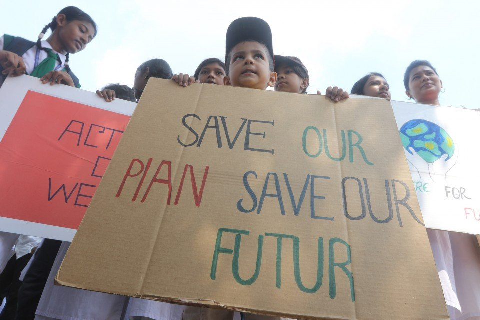 Save our Planet, Save our future. Take urgent action! #ClimateStrikeOnline #Bangladesh #FridaysForFuture pic.twitter.com/r2TrJ6sFHw