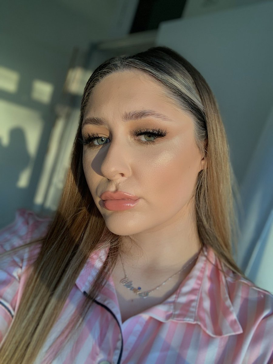 @JeffreeStar @JeffreeStar #ConspiracyPalette @shanedawson love this pallet and all my other jeffree pallets am in love😍😍❤️ #MakeupAddict #makeup #makeupartist #makeuplover #BloodLust #bloodsugar #blueblood