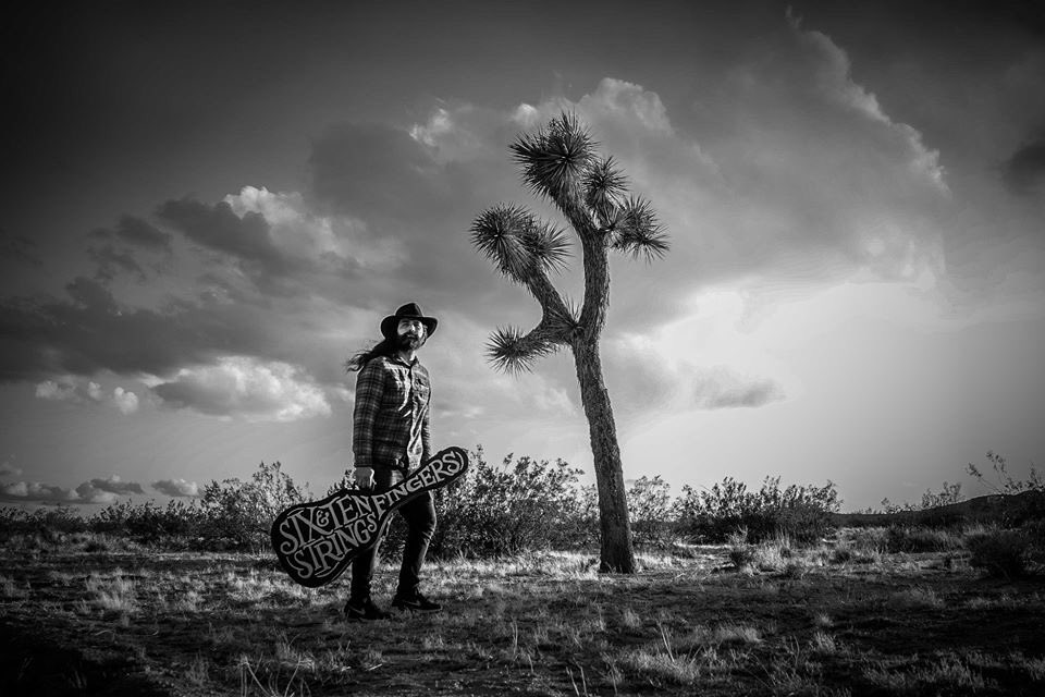 Had a chance to be in front of the camera instead of behind it. My #photobae @_Ayse_G took these amazing photos as we socially distanced ourselves at Joshua Tree. Wish I had an album coming out. Maybe I'll record one.pic.twitter.com/3NbpAKrdeU