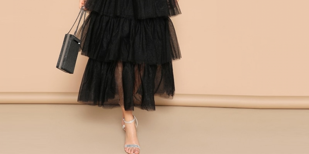 #model #cool Women's Glamorous Style Layered Black Dress